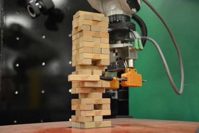 """MIT麻省理工大学最新研制的机器人是个""""叠叠乐""""大师"""