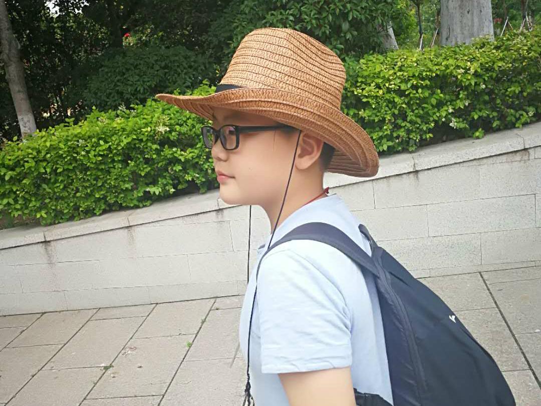 12岁vipJr双语小主持刘力嘉 赴新加坡演讲