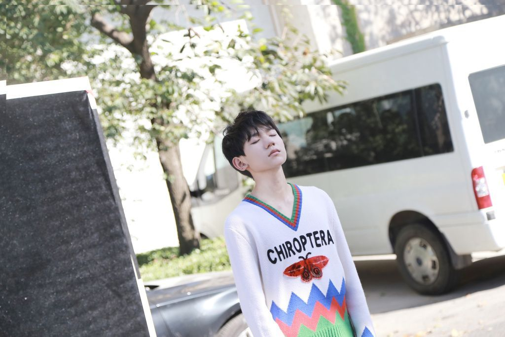 王源被美国现代音乐顶尖学院录取,凤姐:四年后粉丝会不会忘了他