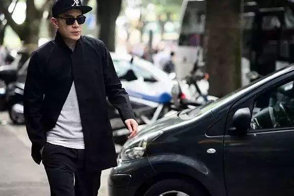 街拍实例告诉你,173的男生这样穿,显高10cm