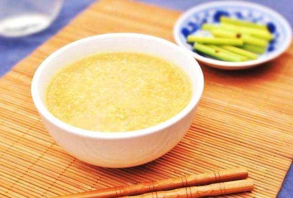 常喝小米粥的好处_原来喝小米粥的好处这么多,这几种人很适合喝_身体