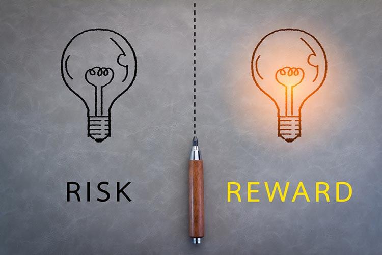 人类误判心理学:奖励和惩罚超级反应倾向