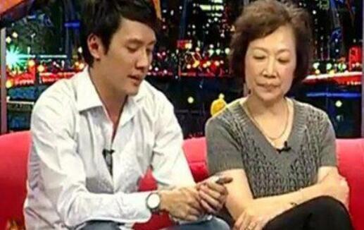 冯绍峰母亲希望赵丽颖生个孙子冯绍峰的回复获赞网友:真是幸福_