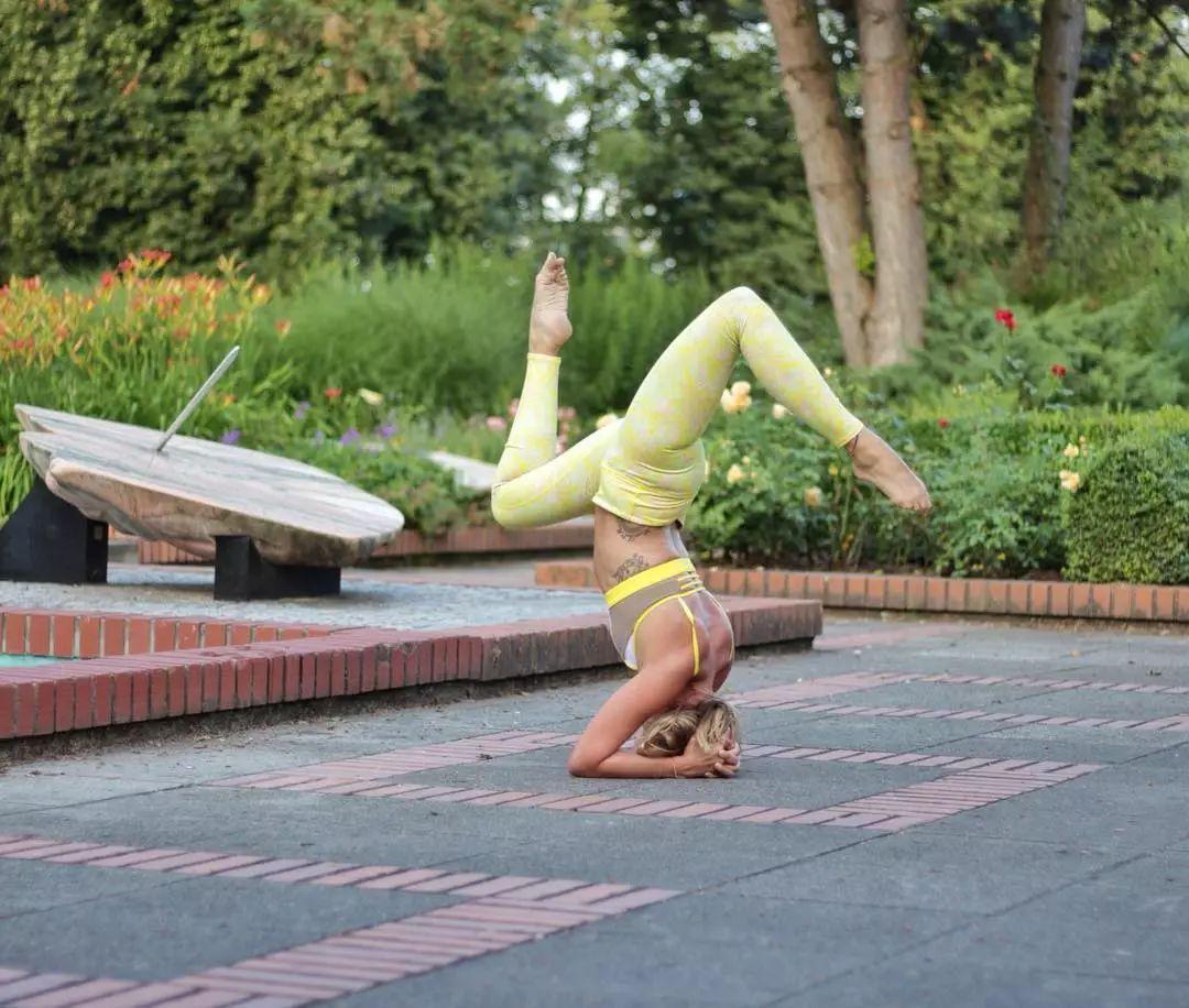 心情烦躁,练习瑜伽来开怀,好好舒缓烦闷(图6)