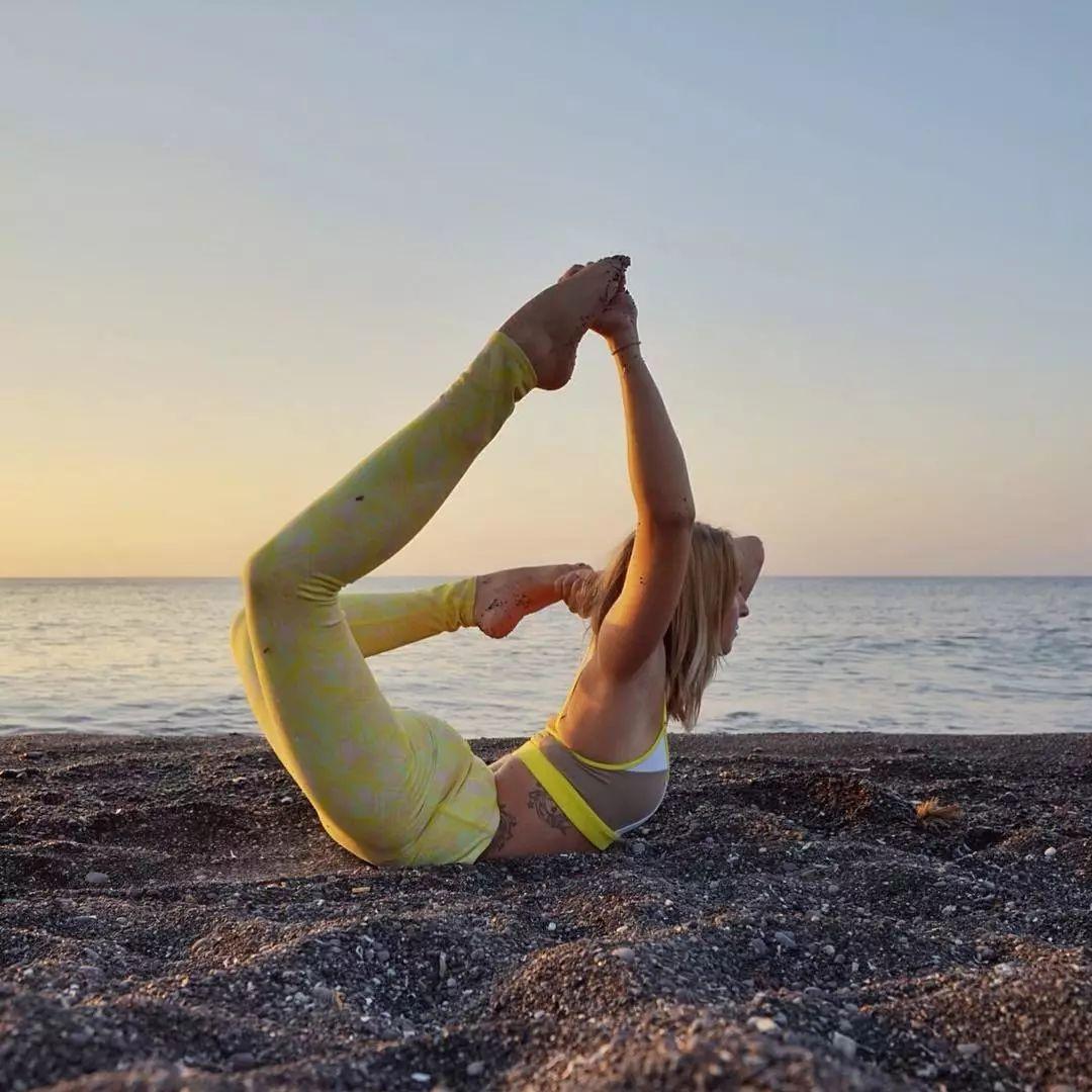 心情烦躁,练习瑜伽来开怀,好好舒缓烦闷(图8)