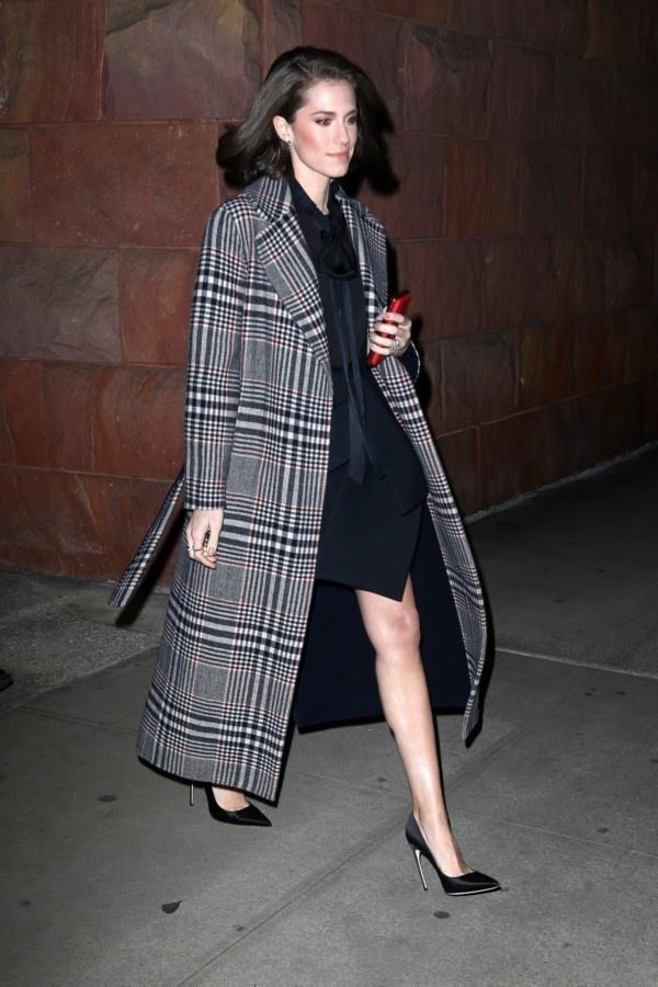 一件大衣搞定冬日出街最IN穿搭,時尚、大氣、又保暖! 形象穿搭 第3張