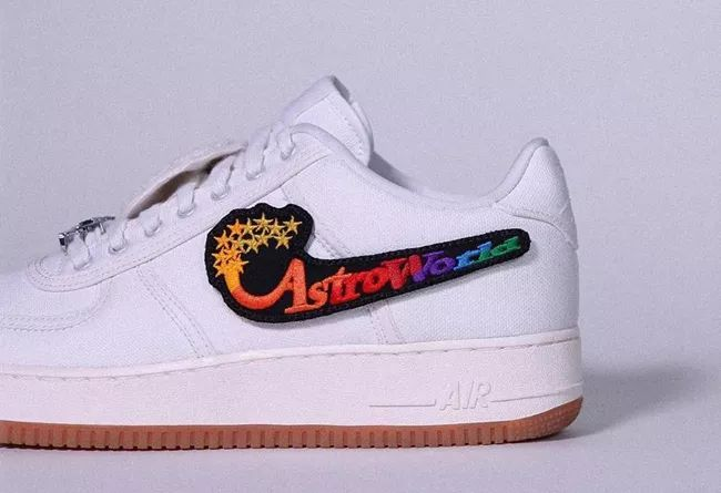 Travis Scott x Nike Air Force 1 Low 换钩新玩法