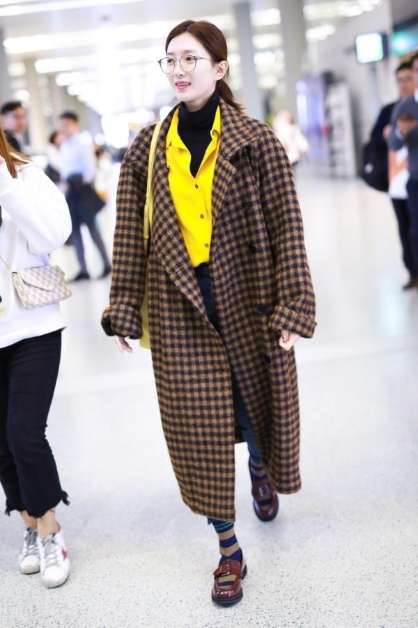 一件大衣搞定冬日出街最IN穿搭,時尚、大氣、又保暖! 形象穿搭 第11張