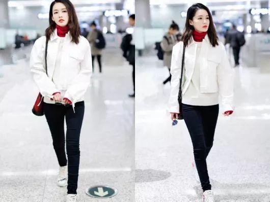 原創             春季穿搭:李沁純白大衣紮馬尾太少女!穿上紅裙微微一笑太傾城 形象穿搭 第5張