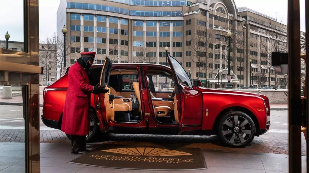 红色库里南真喜庆 为庆祝中国春节,劳斯莱斯推出猪年特别版车型