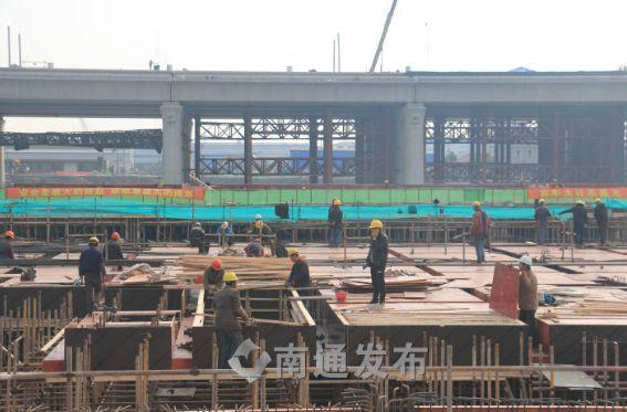 新春走基层⑤南通西站建设者坚守工地,确保项目早日顺利建成
