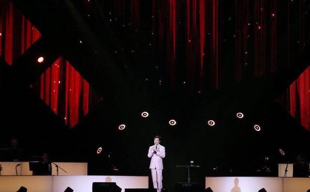 小哥费玉清台北举办告别演唱会哭到演出中断,粉丝心痛瞬间泪奔 作者: 来源:独家影视