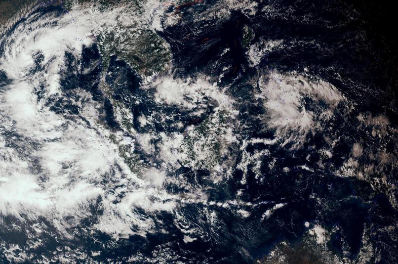 """7个风暴酝酿!98C已经""""喝醉"""",2个风王袭击菲律宾之后有烦恼?"""