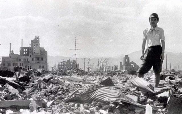 假如二戰日本拒不投降會如何?有可能滅種,富士山都會被炸沒_原子彈