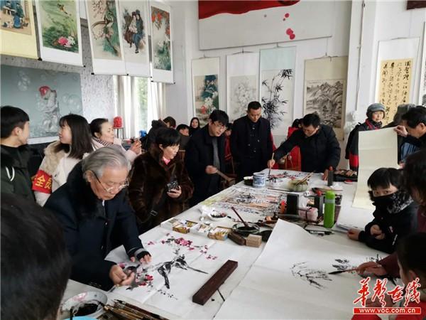 """快闪摄影展亮相怀化市""""美丽乡村""""文化艺术节"""