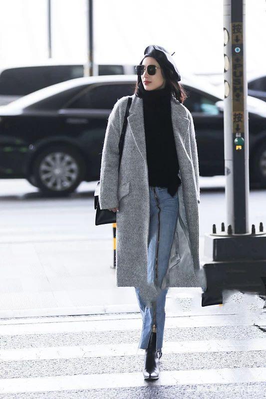 黃圣依不愧是時尚圈貴婦!灰色毛呢大衣碰撞高領毛衣,這女人味足_穿戴