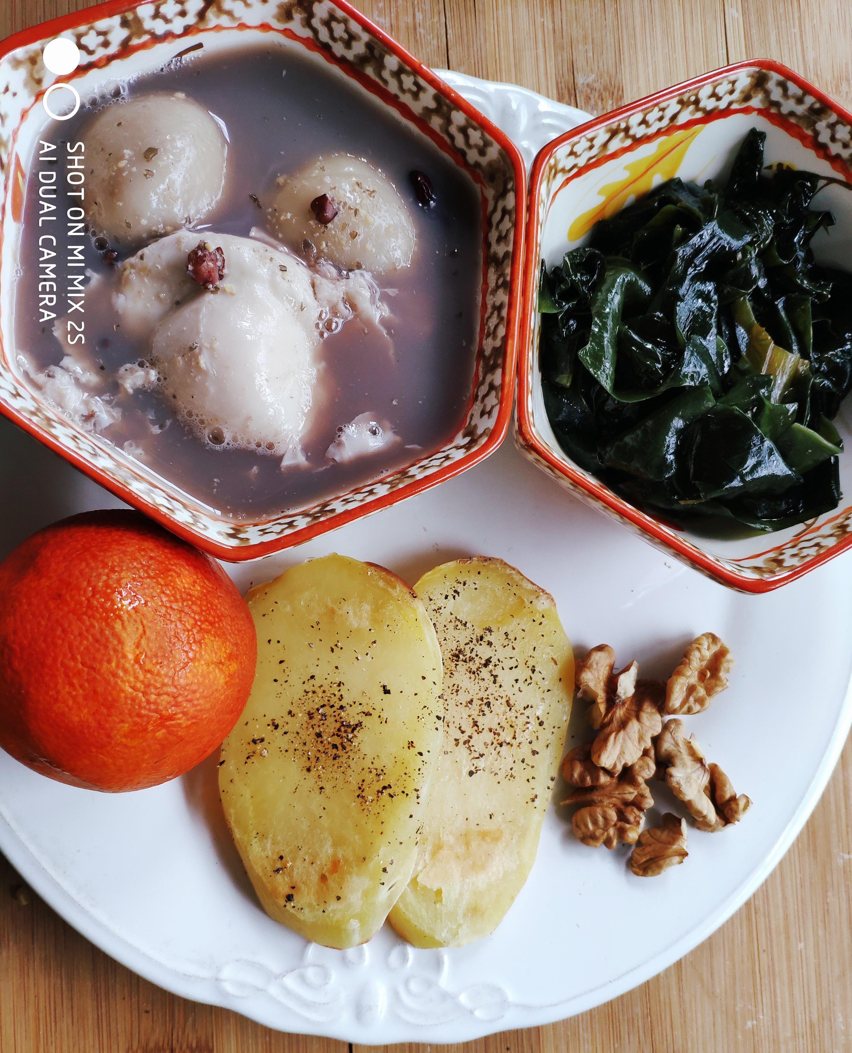早餐中的湯圓系列(一)_胡陵_維生素