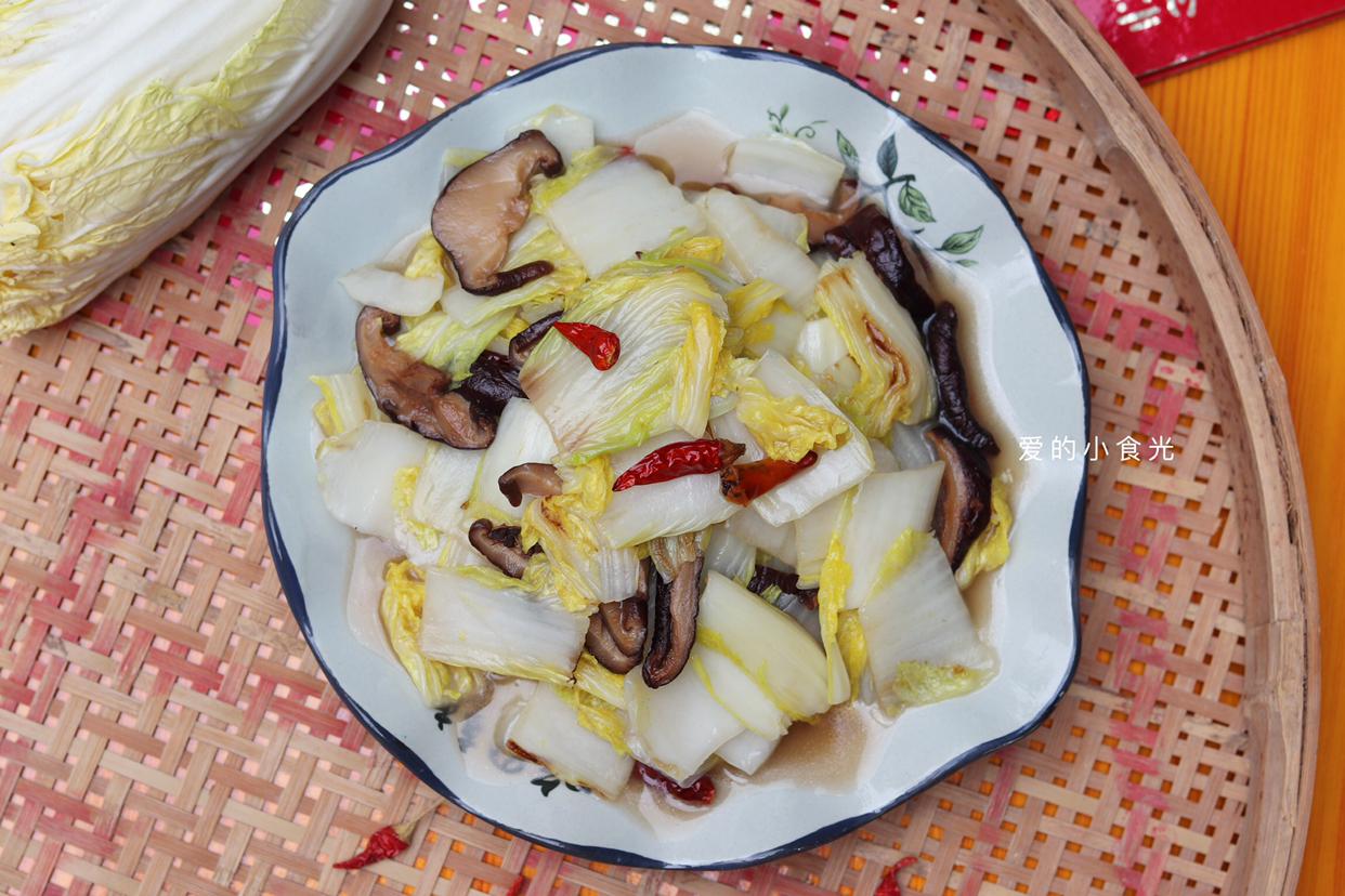 這菜外形像大白菜,價格卻比白菜貴,為什么人們還會喜歡吃它呢_鍋蓋