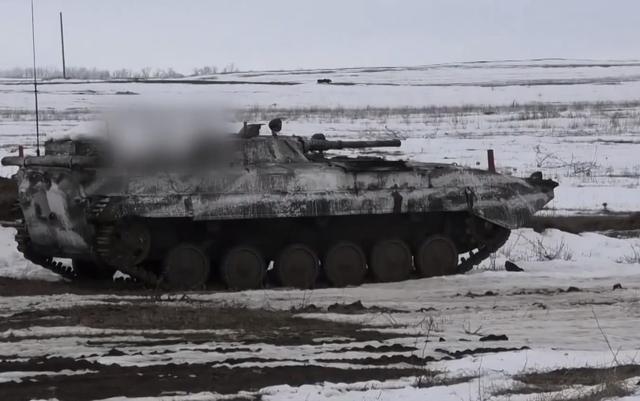 烏克蘭軍隊的實力已經是今非昔比,東部武裝開始備戰應對全面沖突_盧甘斯克