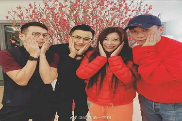 離婚后首個春節,劉愷威和古巨基等好友在港歡喜聚會!_微博
