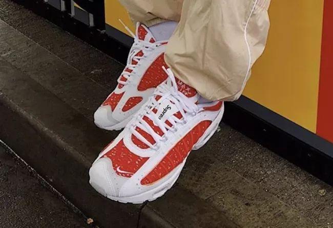 白紅配色亮相!Supreme x Nike 聯名新鞋實物搶先看_Max