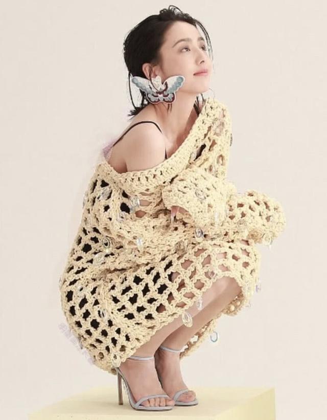 佟麗婭的網球裙太過分!簡單穿搭竟也能穿出潮流,美的沒誰了 形象穿搭 第3張