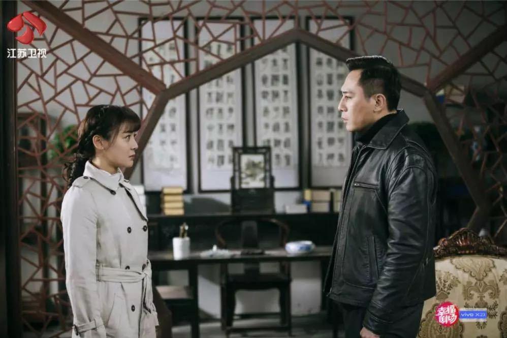 袁姗姗和孙坚看烟花是欣喜,在这剧和刘烨看烟花更多浪漫甜蜜