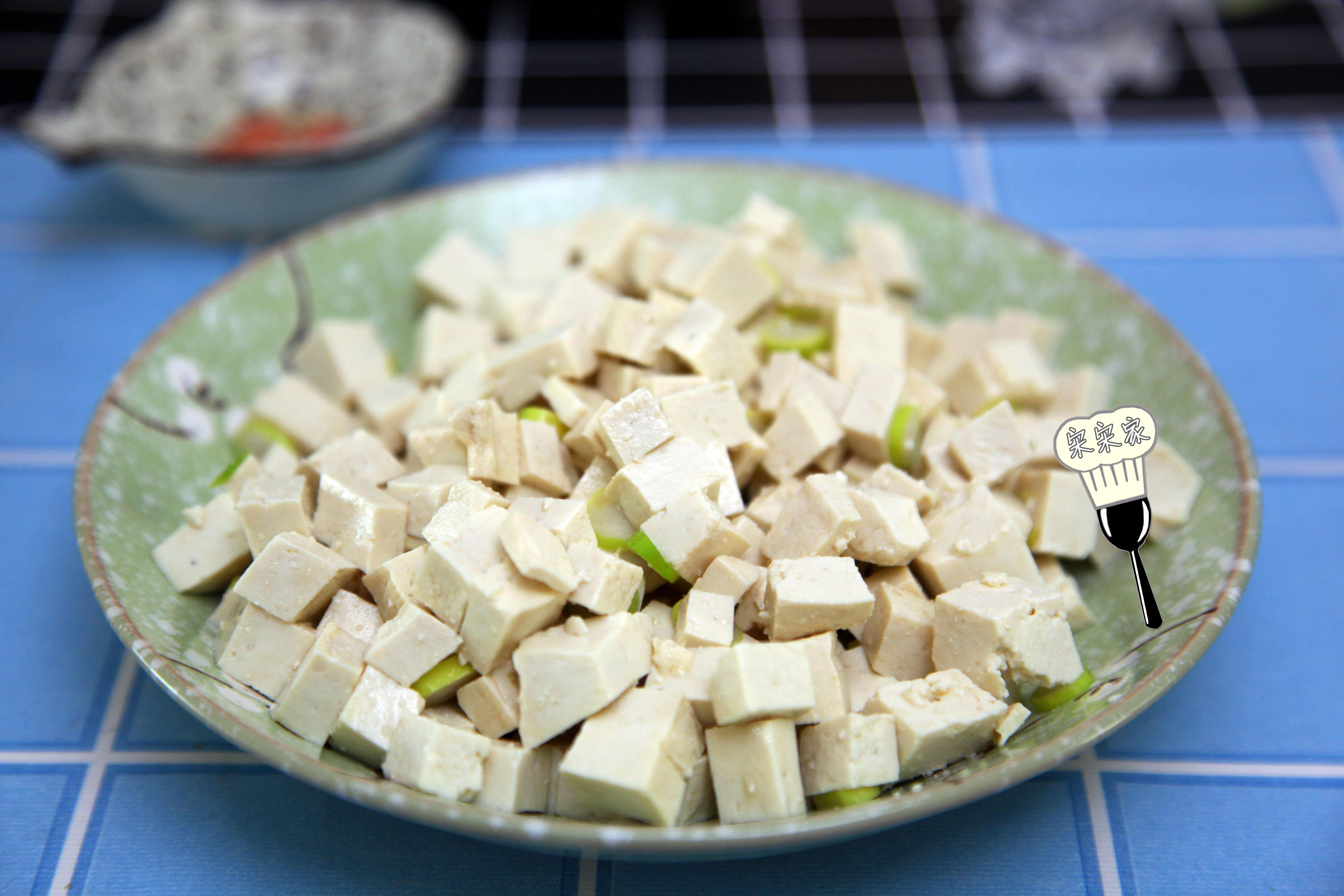 小葱拌豆腐吃掉txt_过年,好酒好菜不稀罕,来盘这个很不错,把胖起来的肉瘦回去 ...