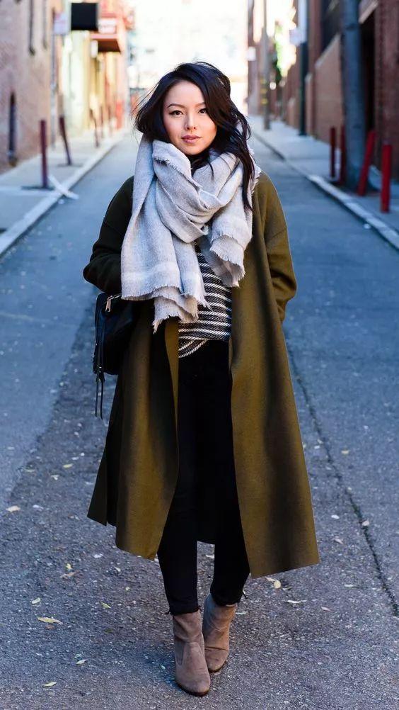 什麼顏色的大衣就搭什麼圍巾,這才是最實用的穿搭法! 形象穿搭 第21張