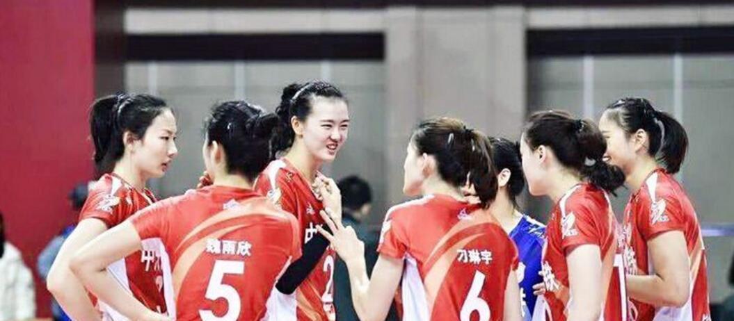 排超半决赛第一回合,天津女排顶住压力主场战胜江苏取得开门红