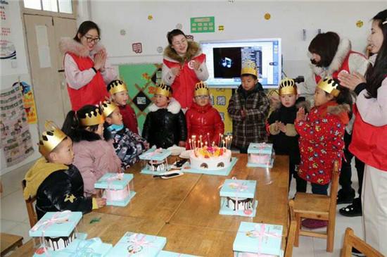 江苏:红烛先锋显本色 志愿服务为大家——盱城街道中心幼儿园开展红烛志愿服务活动