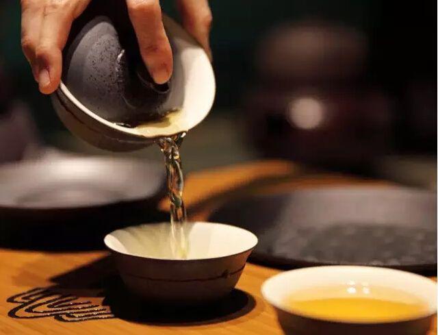 肺热,口臭的人喝什么茶比较好?