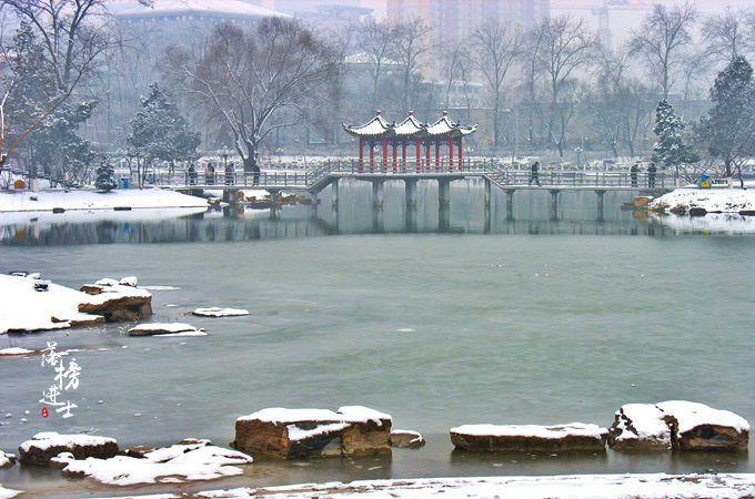 情人节,国际庄下雪了,你和TA一起看雪还是一起贪恋窗外的好风景