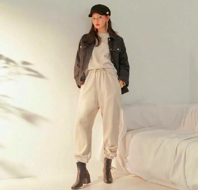 【滚动】原创早春简约大气时尚穿搭,凸显出你的独特气质