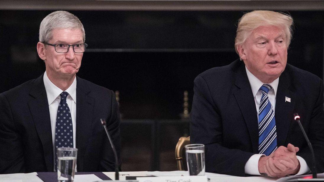 IBM、苹果 CEO 加入特朗普顾问团,白宫还是需要硅谷科技大佬的