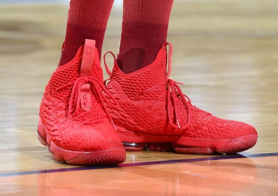 63af1e404152 NBA球鞋战力榜Vol.16 17」迎新年!近百双球鞋百花齐放! Kobe