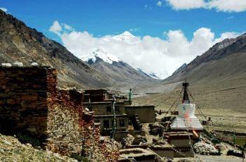 世界海拔最高的寺院,只有一名僧人,孤独守候20年
