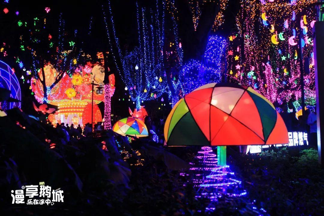 大概是西湖花灯这般模样吧图片