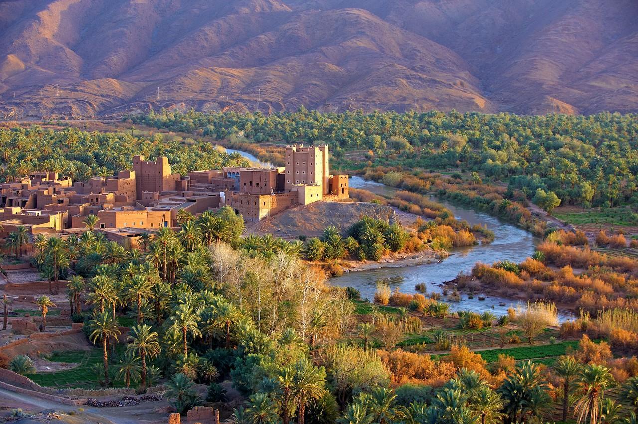 摩洛哥经济总量多少美元_摩洛哥地图
