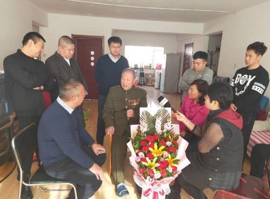 致敬最可爱的人——探望从硝烟中走出来的90岁老兵宋晓峰