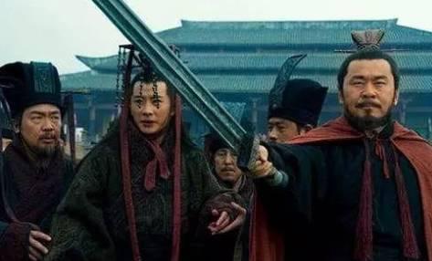 为什么康熙可以擒杀鳌拜,而汉献帝却不能计杀曹操?