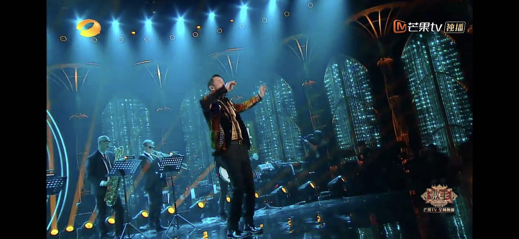 杨坤演唱的《文娱天空》很嗨果然有人谈油腻这句歌词没有字幕