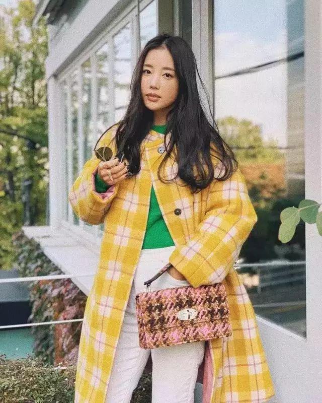 开春怎么穿?3个韩国小姐姐给你灵感!(图2)