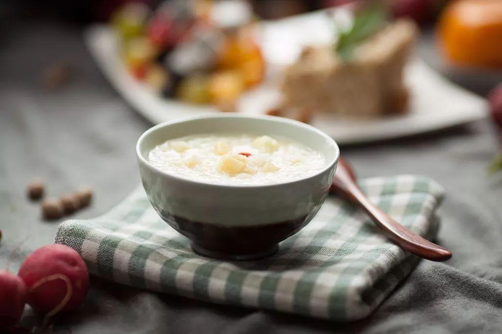 【美食天下】还喝什么白米粥,这样做排毒又养颜,春季节一定要多吃!