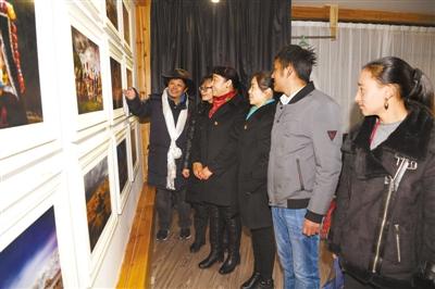 用镜头讲述西藏故事