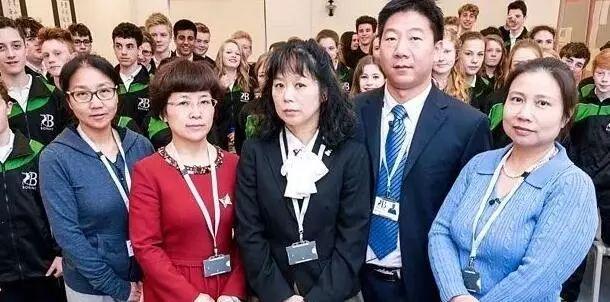 BBC派3个英国学生来亚洲交换3天,分别住进条件不同的家庭,揭开的东亚教育现象引人深思…