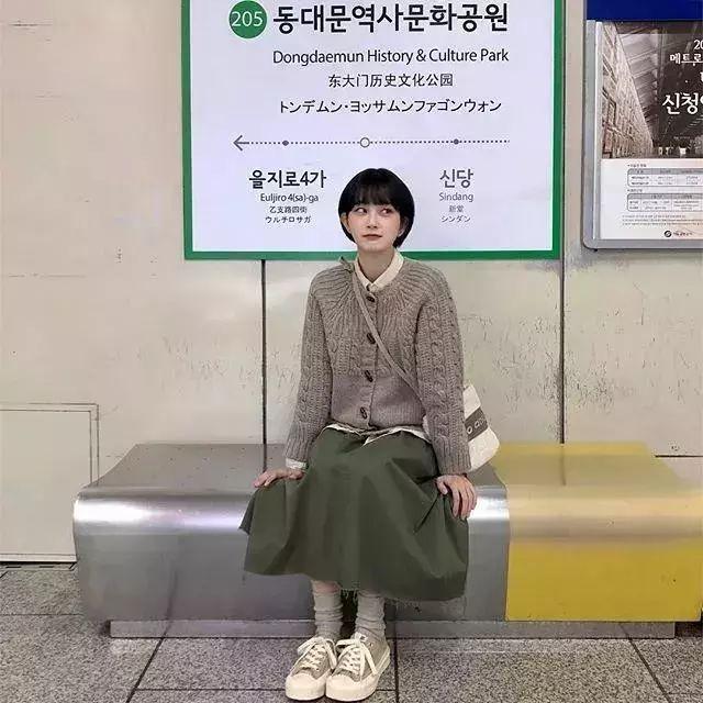 开春怎么穿?3个韩国小姐姐给你灵感!(图23)