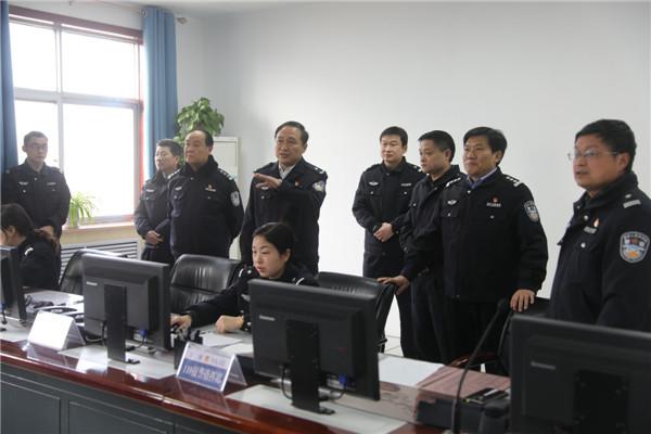 南阳油田公安局领导节后亲切慰问一线  执勤民警