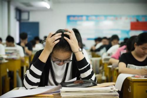 女生学经济学好就业吗 学经济学以后能干什么?