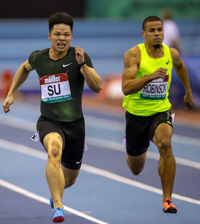 苏炳添自解右膝伤:刹车太紧肌肉有点不舒服 60米按百米节奏在跑
